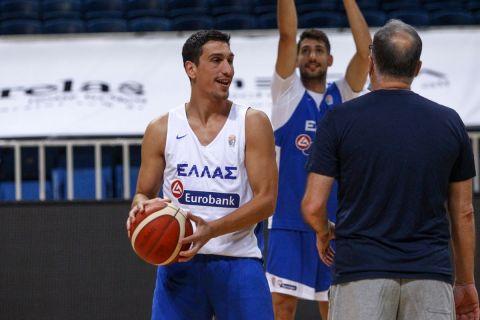 Ο Γιαννούλης Λαρεντζάκης σε προπόνηση της Εθνικής Ανδρών