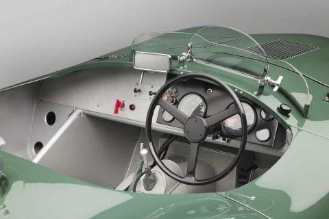 Η νέα Jaguar C-typeContinuations