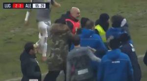 Video: Ο προπονητής της Αλεσάντρια «κατεδαφίζει» με κουτουλιά συνάδελφό του!