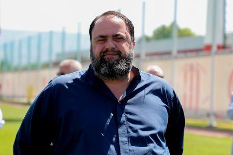 Ο Βαγγέλης Μαρινάκης στον αγιασμό του Ολυμπιακού