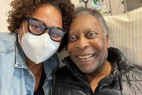 Πελέ: Η κόρη του ανέβασε φωτογραφία μαζί του για να βάλει τέλος στις φήμες για την υγεία του