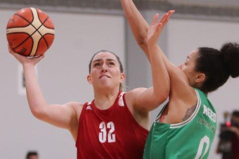 Στιγμιότυπο από το ματς Ολυμπιακός - Παναθηναϊκός για την Α1 μπάσκετ γυναικών