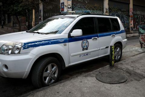 Απομακρύνθηκε νωρίς το πρωί από τον Δήμο Αθηναίων με την συνδρομή της αστυνομίας,το κοντέινερ που είχε στηθεί στην Πλατεία των Εξαρχείων, Παρασκευή 20 Σεπτεμβρίου 2019  (EUROKINISSI/ΣΤΕΛΙΟΣ ΜΙΣΙΝΑΣ)