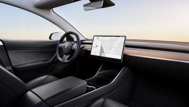 Tesla+Model+3+interior