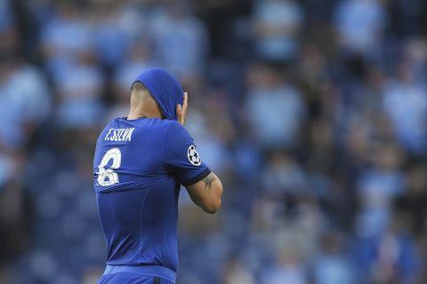 Ο Τιάγκο Σίλβα έχει τραυματιστεί και γίνεται αναγκαστική αλλαγή κατά τη διάρκεια του τελικού του Champions League μεταξύ της Μάντσεστερ Σίτι και της Τσέλσι (29 Μαΐου 2021)
