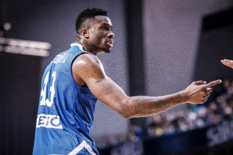H FIBA θυμήθηκε τις πτήσεις του Θανάση Αντετοκούνμπο