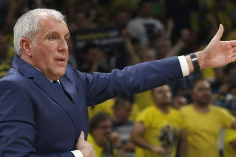 Fenerbahce head coach Zeljko Obradovic gestures during the Final Four Euroleague semifinal basketball match against Zalgiris in Belgrade, Serbia, Friday, May 18, 2018. (AP Photo/Darko Vojinovic)