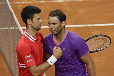 Οι Ράφα Ναδάλ και Νόβακ Τζόκοβιτς από αναμέτρησή τους στο Masters Rome (16 Μαΐου 2021)