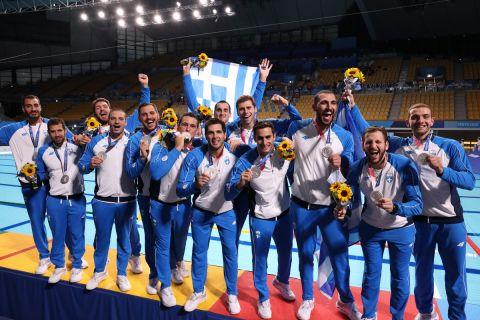 Οι διεθνείς της Εθνικής Πόλο των Ανδρών με τα μετάλλια