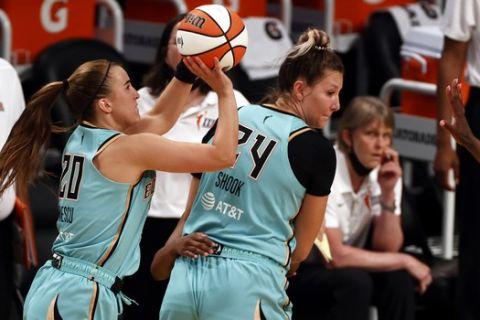 Η Σαμπρίνα Ιονέσκου σκοράρει για τρεις στην πρεμιέρα του WNBA