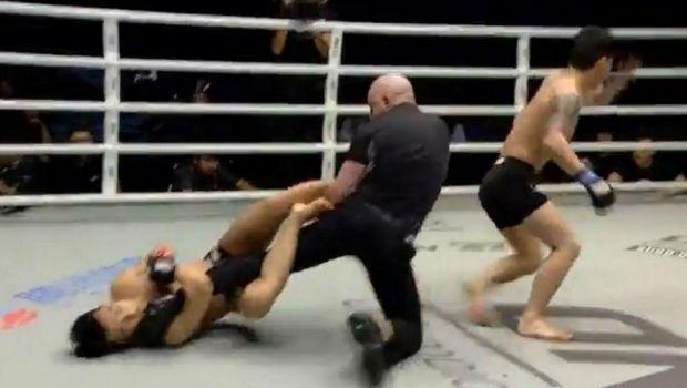 ΑΠΙΣΤΕΥΤΟ: Μαχητής τρώει ΚΟ και επιχειρεί να κάνει υποταγή στον διαιτητή!