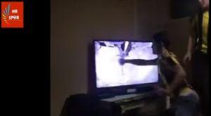 Οπαδός της Φενέρμπαχτσε διέλυσε την τηλεόραση σε χαμένη ευκαιρία!
