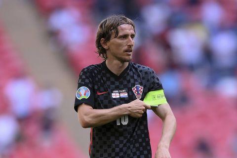 Ο Λούκα Μόντριτς με τη φανέλα της Κροατίας κόντρα στην Αγγλία στην πρεμιέρα του Euro 2020