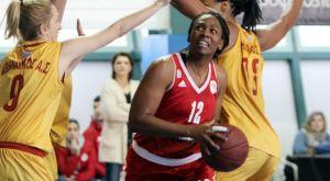 Ο Ολυμπιακός διέλυσε τον Αθηναϊκό και έμεινε αήττητος στον πρώτο γύρο