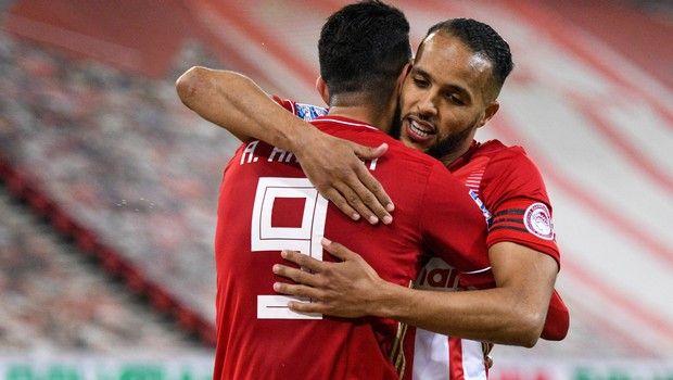 Οι Αραμπί και Χασάν πανηγυρίζουν νίκη του Ολυμπιακού κόντρα στον Παναθηναϊκό στην Super League