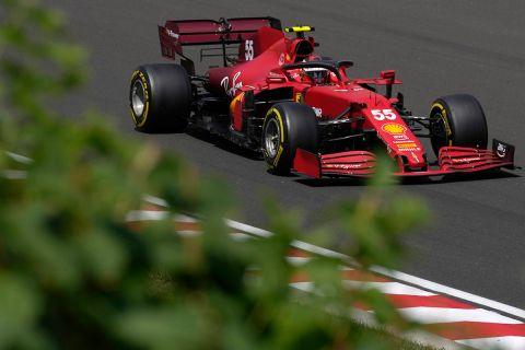 Ο Κάρλος Σάινθ της Ferrari στη διάρκεια του Ουγγρικού γκραν πρι | 31 Ιουλίου 2021