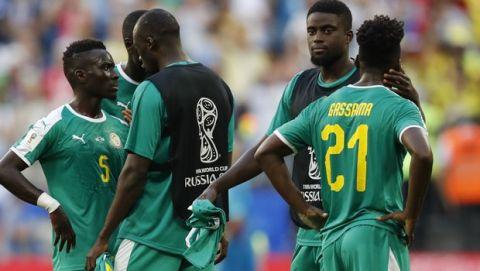 """""""Αυτοκτονία"""" για Σενεγάλη λόγω καρτών, πέρασε η Κολομβία"""