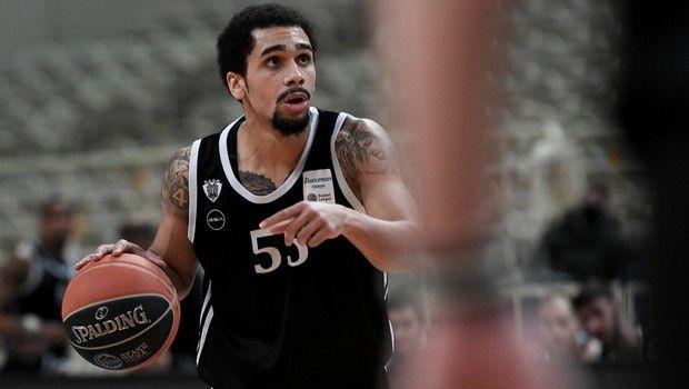Ο Μήτρου Λονγκ με τη φανέλα του ΠΑΟΚ σε αγώνα για τη Stoiximan Basket League