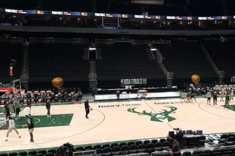 NBA Finals, Αποστολή του SPORT24 στο Μιλγουόκι: Μπήκαμε στο shootaround πριν από το Game 4