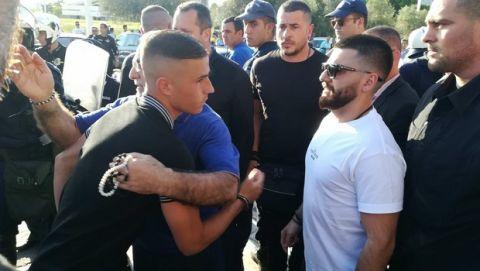 Ο Σαββίδης υποδέχθηκε την αποστολή του ΠΑΟΚ έξω από το ΟΑΚΑ