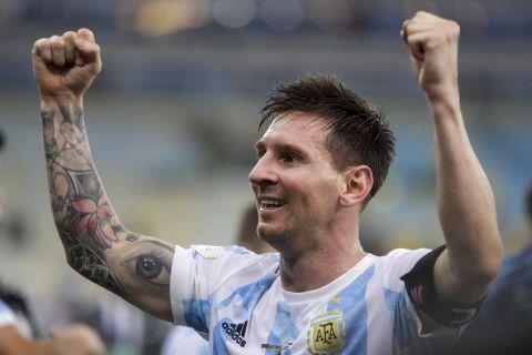 Ο Λιονέλ Μέσι πανηγυρίζει την κατάκτηση του Copa America 2021 με την εθνική Αργεντινής | 10 Ιουλίου 2021