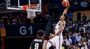 FIBA: Γιάννης Αντετοκούνμπο vs Κρίσταπς Πορζίνγκις για το κάρφωμα της δεκαετίας