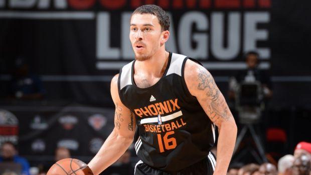 Στους Phoenix Suns ο Μάικ Τζέιμς