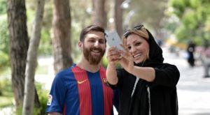 Ο Ιρανός σωσίας του Μέσι απάντησε στις φήμες για τις 23 ερωμένες