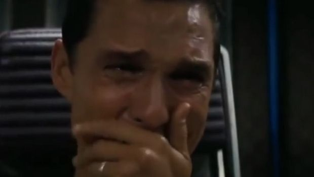 Επικό βίντεο για τα διαρκείας: Ο Μάθιου ΜακΚόναχι κλαίει γιατί... έχασε την προθεσμία!