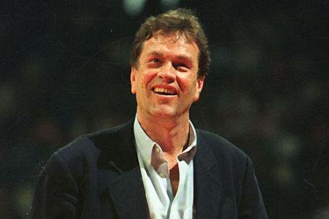 Ο Γιάννης Ιωαννίδης την εποχή που ήταν προπονητής του Ολυμπιακού