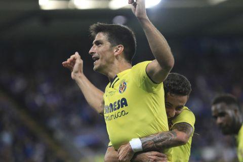 Ο Ζεράρ Μορένο πανηγυρίζει γκολ στο Super Cup ανάμεσα στην Τσέλσι και τη Βιγιαρεάλ