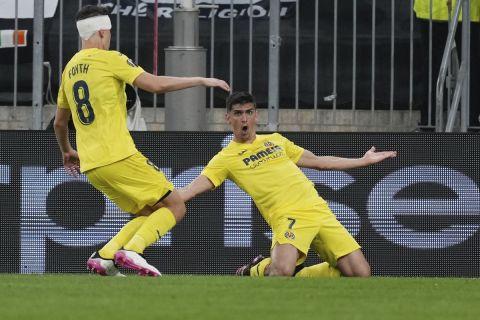 Ο Μορένο πανηγυρίζει το γκολ του στο Βιγιαρεάλ - Μάντσεστερ Γιουνάιτεντ στον τελικό του Europa League.