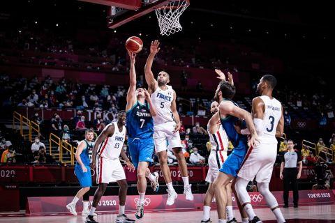 Ολυμπιακοί Αγώνες - Μπάσκετ: Το μπλοκ-τελικός του Μπατούμ από διάφορες λήψεις
