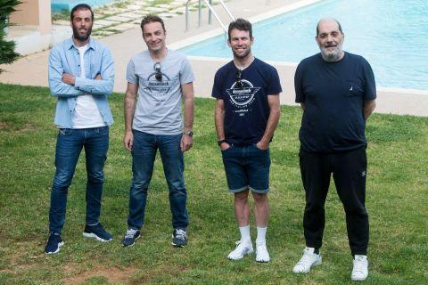 Από αριστερά, Ανδρέας Τριανταφύλλου, Βασίλης Αναστόπουλος, Μαρκ Κάβεντις και Θανάσης Κρεκούκιας.