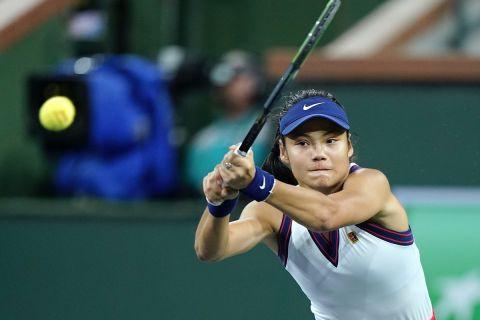 Η Έμα Ραντουκάνου κόντρα στην Αλεξάντρα Σάσνοβιτς στον 2ο γύρο του BNP Paribas Open