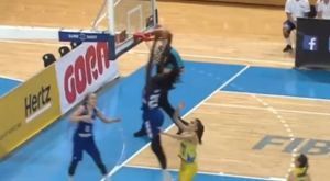 FIBA: Πήγε να κάνει το κάρφωμα της χρονιάς 18χρονη από την Φινλανδία!