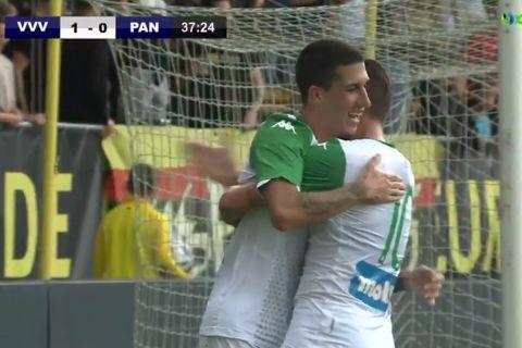 Ο Αϊτόρ πανηγυρίζει το γκολ που σημείωσε κόντρα στη Φένλο