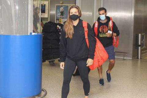 Η Μαρία Σάκκαρη κατά την επιστροφή της στην Ελλάδα έπειτα από την πορεία της μέχρι τα ημιτελικά του Roland Garros | Σάββατο 12 Ιουνίου 2021