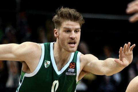 Ο Τόμας Γουόκαπ της Ζάλγκιρις Κάουνας, σε φάση από αγώνα των Λιθουανών στη EuroLeague