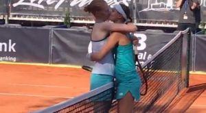 Τένις: Αθλήτρια νίκησε τη σύντροφό της και μετά τη φίλησε