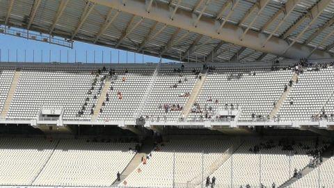 PHOTOS: Οι πρώτοι οπαδοί του ΠΑΟΚ στις κερκίδες του ΟΑΚΑ
