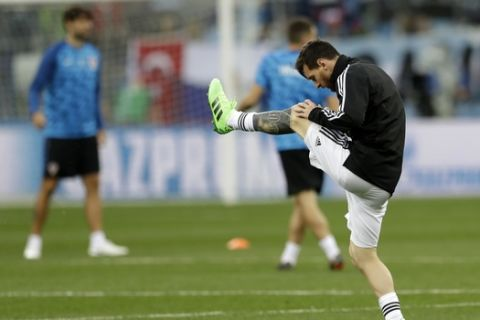 Argentina's Lionel Messi warms up before the group D match between Argentina and Croatia at the 2018 soccer World Cup in Nizhny Novgorod Stadium in Nizhny Novgorod, Russia, Thursday, June 21, 2018. (AP Photo/Petr David Josek)