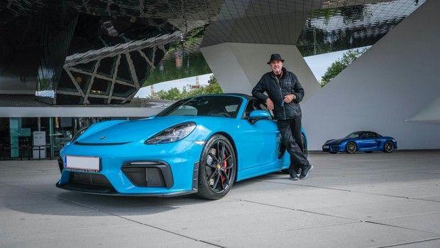 Ο 80χρονος με τις 80 Porsche