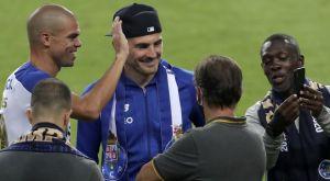 Πόρτο: Οι παίκτες έδωσαν το Κύπελλο στον Κασίγιας
