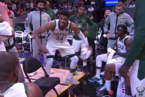 NBA Finals, Σανς - Μπακς: Έξαλλος ο Γιάννης Αντετοκούνμπο με τους συμπαίκτες του σε timeout