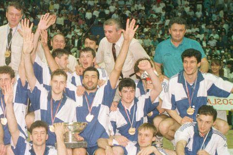 Η μεγάλη Γιουγκοσλαβία του Ντούσαν Ίβκοβιτς (αριστερά πάνω) από το Ευρωμπάσκετ 89 στο Ζάγκρεμπ