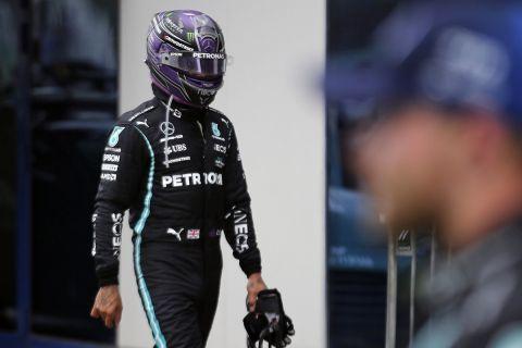 Ο Λιούις Χάμιλτον μετά το τέλος του GP Τουρκίας στη Formula 1.