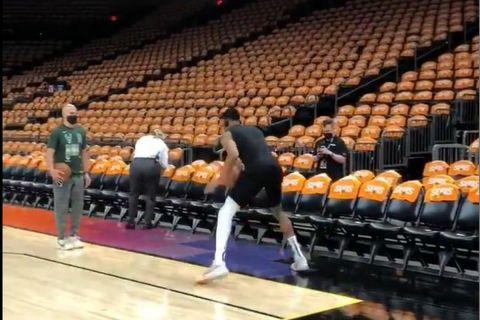 Προθέρμανση Γιάννη Αντετοκούνμπο στο πρώτο ματς των NBA Finals κόντρα στους Φίνιξ Σανς