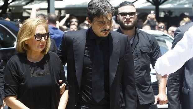 Ο Δημήτρης Γιαννακόπουλος συνόδευσε τη σορό του πατέρα του
