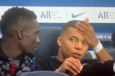 """Έξαλλος ο Εμπαπέ με τον Νεϊμάρ: """"Όταν είμαι σε θέση για γκολ δεν μου δίνει ποτέ πάσα"""""""